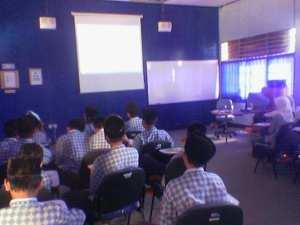 proses belajar mengajar di multimedia